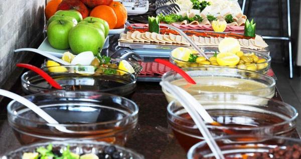 İstanbul'un güzelliğini ve huzurunu yansıtan Merter Elite Marmara Residence'ta kahvaltı dahil çift kişilik 1 gece konaklama seçenekleri 159 TL'den başlayan fiyatlarla! Fırsatın geçerlilik tarihi için, DETAYLAR bölümünü inceleyiniz.