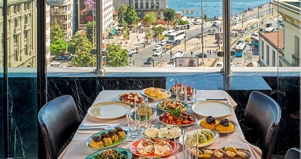Karaköy The Purl Hotel'de tek/çift kişilik 1 gece konaklama seçenekleri 279 TL'den başlayan fiyatlarla! Fırsatın geçerlilik tarihi için DETAYLAR bölümünü inceleyiniz.