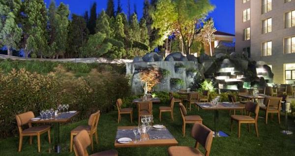 DoubleTree by Hilton Hotel İstanbul Tuzla'da kahvaltı dahil çift kişilik 1 gece konaklama 209 TL'den başlayan fiyatlarla! Fırsatın geçerlilik tarihi için DETAYLAR bölümünü inceleyiniz.