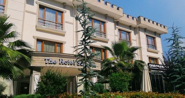 Doğayla başbaşa tatil keyfi! The Hotel Sapanca'da çift kişilik 1 gece konaklama keyfi 179 TL'den başlayan fiyatlarla! Fırsatın geçerlilik tarihi için, DETAYLAR bölümünü inceleyiniz.