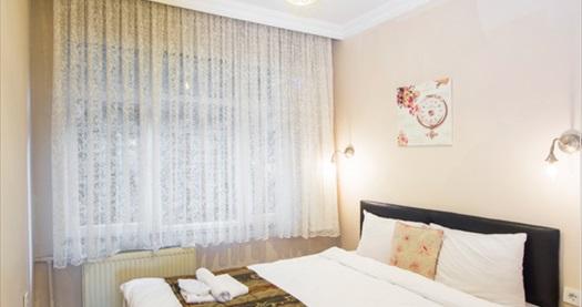 Sultanahmet Berce Hotel'de çift kişi 1 gece konaklama seçenekleri 140 TL'den başlayan fiyatlarla! Fırsatın geçerlilik tarihi için DETAYLAR bölümünü inceleyiniz.