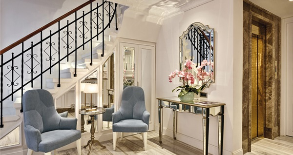 Beyoğlu Mirrors Hotel'in farklı oda tiplerinde çift kişilik 1 gece konaklama seçenekleri 250 TL'den başlayan fiyatlarla! Fırsatın geçerlilik tarihi için, DETAYLAR bölümünü inceleyiniz.