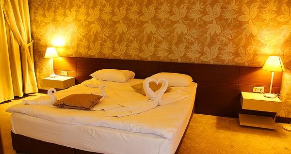 Doğanın tam kalbindeki Park Hotel Polonezköy'de çift kişilik 1 gece konaklama keyfi 199 TL'den başlayan fiyatlarla! Fırsatın geçerlilik tarihi için DETAYLAR bölümünü inceleyiniz.