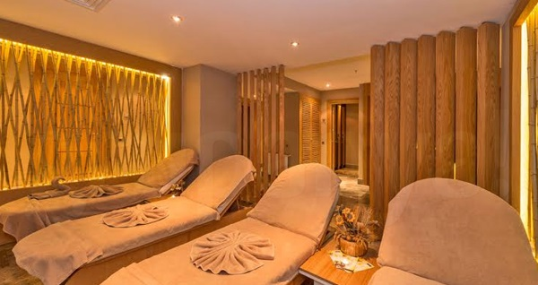 İstanbul Dora Otel Elite Spa'da masaj ve kese köpük uygulaması 49 TL'den başlayan fiyatlarla! Fırsatın geçerlilik tarihi için DETAYLAR bölümünü inceleyiniz.