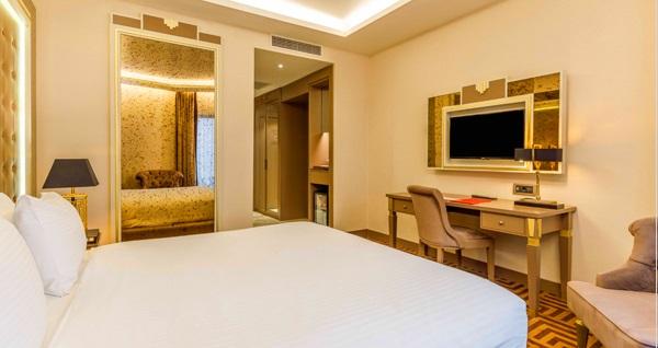 Ramada by Wyndham Istanbul Golden Horn Hotel'de kahvaltı dahil çift kişilik 1 gece konaklama seçenekleri 299 TL'den başlayan fiyatlarla! Fırsatın geçerlilik tarihi için DETAYLAR bölümünü inceleyiniz.
