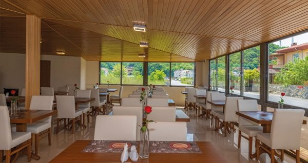 Ağva Palas Hotel'in farklı oda tiplerinde çift kişilik 1 gece konaklama seçenekleri 199 TL'den başlayan fiyatlarla! Fırsatın geçerlilik tarihi için DETAYLAR bölümünü inceleyiniz.