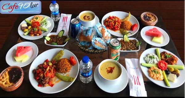 Cafe 90'lar Süleymaniye'de enfes manzara eşliğinde iftar menüleri 50 TL'den başlayan fiyatlarla! Bu fırsat 6 Mayıs - 3 Haziran 2019 tarihleri arasında, iftar saatinde geçerlidir.