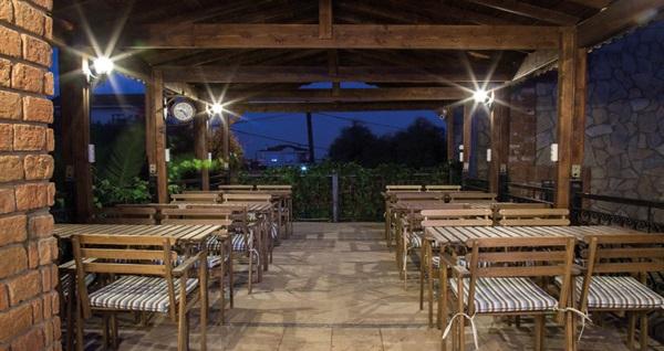 Sır Otel Cunda'da kahvaltı dahil çift kişilik 1 gece konaklama 199 TL'den başlayan fiyatlarla! Fırsatın geçerlilik tarihi için, DETAYLAR bölümünü inceleyiniz.