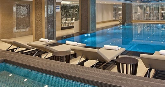Güneşli Retaj Royale İstanbul'da çift kişilik 1 gece konaklama seçenekleri ve ıslak alan kullanımı 139 TL'den başlayan fiyatlarla! Fırsatın geçerlilik tarihi için, DETAYLAR bölümünü inceleyiniz.