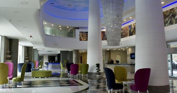 Şehre yakın kaçamak... Elite Hotels Darıca'da kahvaltı dahil çift kişilik 1 gece konaklama seçenekleri 189 TL'den başlayan fiyatlarla! Fırsatın geçerlilik tarihi için DETAYLAR bölümünü inceleyiniz.