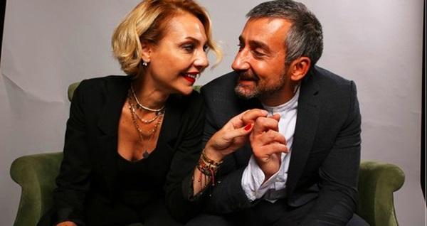 """Yunus Günçe ve Selin Günçe'nin oynadığı """"Karı Koca İşleri"""" tiyatro oyununa biletler 56 TL yerine 33 TL! Tarih ve konum seçimi yapmak için """"Hemen Al"""" butonuna tıklayınız."""