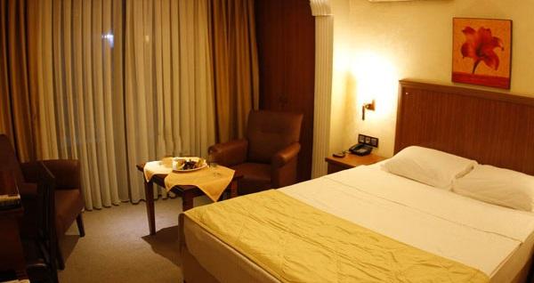 Muhteşem deniz manzarasına nazır Pendik Sahil Butik Hotel'de çift kişilik 1 gece konaklama seçenekleri 155 TL'den başlayan fiyatlarla! Fırsatın geçerlilik tarihi için DETAYLAR bölümünü inceleyiniz.