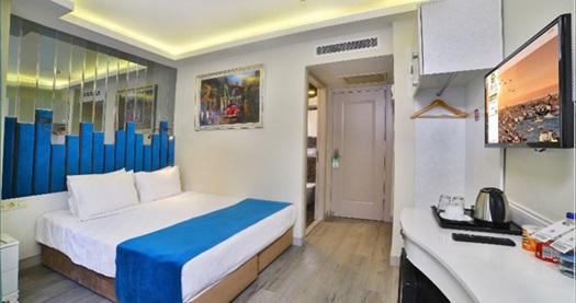 Sirkeci Orka Royal Old City Hotel'de kahvaltı dahil tek veya çift kişilik 1 gece konaklama 249 TL'den başlayan fiyatlarla! Fırsatın geçerlilik tarihi için DETAYLAR bölümünü inceleyiniz.