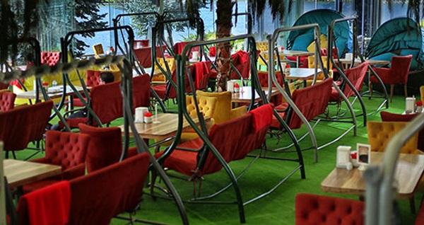 Göksu Salıncak Cafe'de gölet kenarında muhteşem iftar keyfi 34,90 TL'den başlayan fiyatlarla! Bu fırsat 6 Mayıs - 3 Haziran 2019 tarihleri arasında, iftar saatinde geçerlidir.