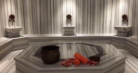 Ramada İstanbul Taksim Zen Spa'da masaj ve SPA paketleri kişi seçenekleriyle 65 TL'den başlayan fiyatlarla! Fırsatın geçerlilik tarihi için DETAYLAR bölümünü inceleyiniz. Haftanın her günü geçerlidir. ISLAK ALAN KULLANIMINA DAHİL OLANLAR : Türk hamamı, sauna, buhar odası, şok havuzu, fitness salonu