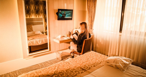 Tunalı Hilmi Aldino Hotel'de kahvaltı dahil çift kişilik 1 gece konaklama seçenekleri 269 TL'den başlayan fiyatlarla! Fırsatın geçerlilik tarihi için, DETAYLAR bölümünü inceleyiniz.