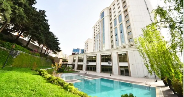 İstanbul Gönen Hotel'de Ramazan'ın tadını doyasıya yaşayacağınız 5 yıldızlı iftar menüsü seçenekleri 89 TL! Bu fırsat 6 Mayıs - 3 Haziran 2019 tarihleri arasında, iftar saatinde geçerlidir.