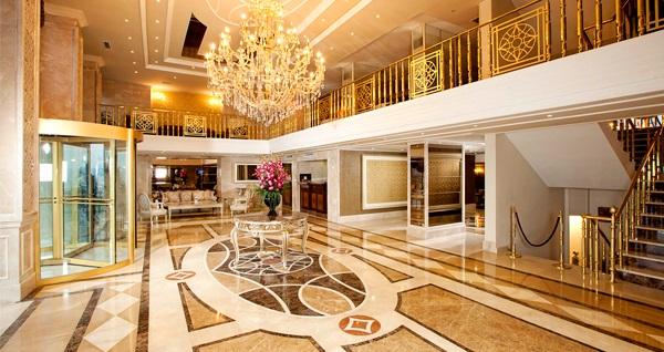 Beyoğlu Grand Hotel Haliç'te çift kişilik 1 gece konaklama seçenekleri 189 TL'den başlayan fiyatlarla! Fırsatın geçerlilik tarihi için DETAYLAR bölümünü inceleyiniz.