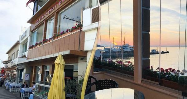 Denize sıfır Büyükada By Şükrü Hotel'de çift kişilik 1 gece konaklama ve plaj girişi seçenekleri 129 TL'den başlayan fiyatlarla! Fırsatın geçerlilik tarihi için, DETAYLAR bölümünü inceleyiniz.