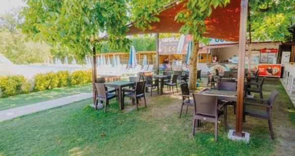 Sapanca Aqua Hotel & Spa'da kahvaltı, açık-kapalı havuzlar, aquapark ve spa kullanımı dahil çift kişilik 1 gece konaklama 220 TL'den başlayan fiyatlarla! Fırsatın geçerlilik tarihi için, DETAYLAR bölümünü inceleyiniz.