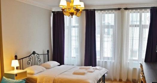 Frame Galata Hotel'de çift kişilik 1 gece konaklama seçenekleri 165 TL'den başlayan fiyatlarla! Fırsatın geçerlilik tarihi için DETAYLAR bölümünü inceleyiniz.