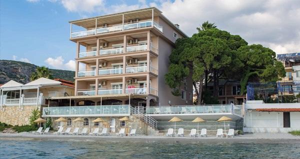 Kuşadası Melis Butik Otel'de bahçe ve deniz manzaralı odalarda kahvaltı dahil çift kişilik 1 gece konaklama 300 TL'den başlayan fiyatlarla! Fırsatın geçerlilik tarihi için, DETAYLAR bölümünü inceleyiniz.