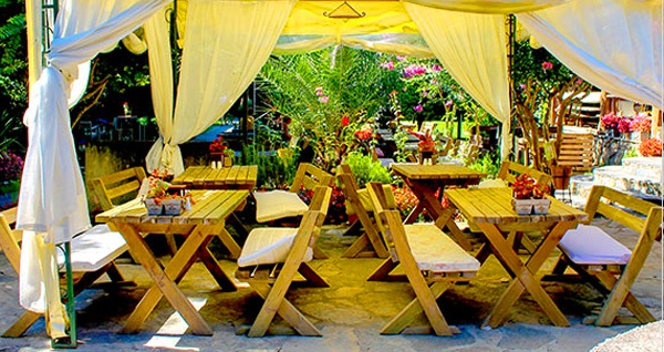 Village Park Resort'ta her Pazar açık büfe kahvaltı keyfi 44,90 TL! Fırsatın geçerlilik tarihi için DETAYLAR bölümünü inceleyiniz.