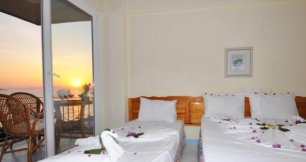 Fethiye Deniz Otel'de çift kişilik 1 gece konaklama seçenekleri 230 TL'den başlayan fiyatlarla! Fırsatın geçerlilik tarihi için DETAYLAR bölümünü inceleyiniz.