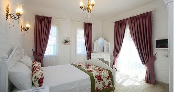 Çeşme Alya Mou Butik Otel'de çift kişilik 1 gece kahvaltı dahil konaklama 425 TL'den başlayan fiyatlarla! Fırsatın geçerlilik tarihi için DETAYLAR bölümünü inceleyiniz.