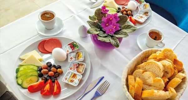 Antalya Linda Expo Hotel'de kahvaltı dahil çift kişilik 1 gece konaklama seçenekleri 143 TL'den başlayan fiyatlarla! Fırsatın geçerlilik tarihi için, DETAYLAR bölümünü inceleyiniz.