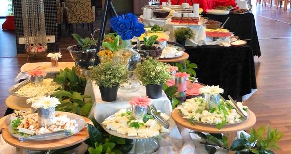 Bahçeşehir Hasbahçe'de serpme veya açık büfe kahvaltı menüsü 25 TL'den başlayan fiyatlarla! Fırsatın geçerlilik tarihi için DETAYLAR bölümünü inceleyiniz.