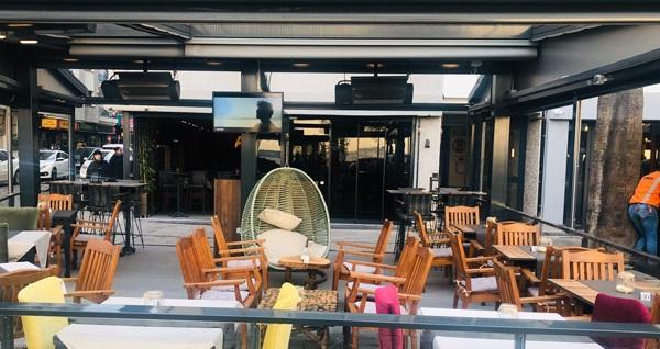 Kordon Araf Lounge'ta yerli içecek eşliğinde muhteşem fix menü 180 TL yerine 99 TL! Fırsatın geçerlilik tarihi için DETAYLAR bölümünü inceleyiniz.