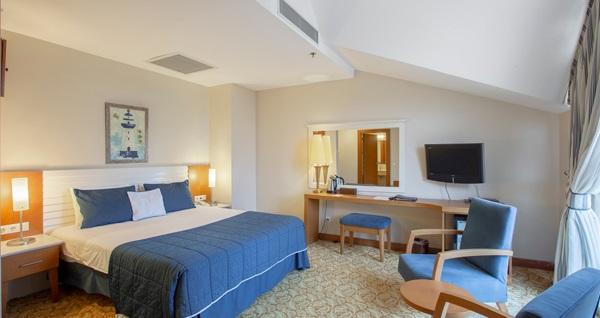 5 yıldızlı The Sign Şile Hotel & Spa'da kahvaltı dahil çift kişilik konaklama 349 TL! Fırsatın geçerlilik tarihi için DETAYLAR bölümünü inceleyiniz.