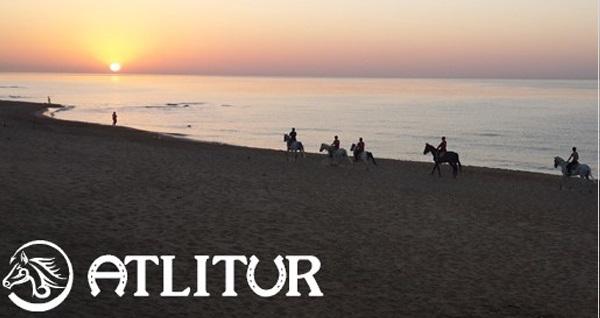Atlıtur'dan Tarihi Gümüşdere Plajı'nda manejde at binme 40 TL'den başlayan fiyatlarla! Fırsatın geçerlilik tarihi için DETAYLAR bölümünü inceleyiniz.
