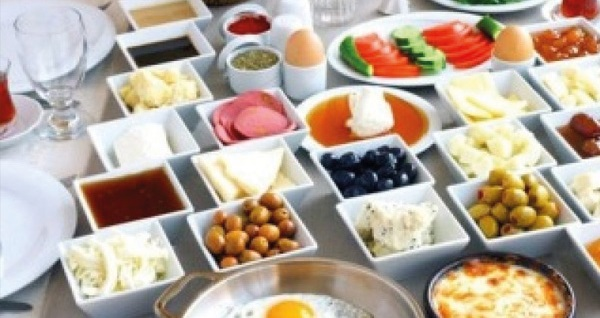 Alaçatı Alalucca Butik Otel'de kahvaltı dahil çift kişilik 1 gece konaklama 199 TL! Fırsatın geçerlilik tarihi için, DETAYLAR bölümünü inceleyiniz.