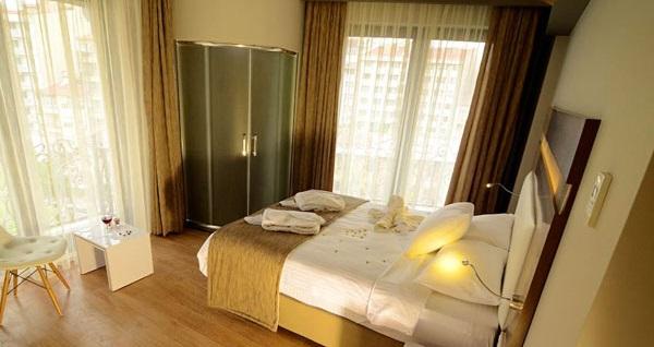 Beklentilerinizi yükselten Eskişehir Senna City Hotel'de kahvaltı dahil çift kişilik 1 gece konaklama 189 TL'den başlayan fiyatlarla! Fırsatın geçerlilik tarihi için, DETAYLAR bölümünü inceleyiniz.