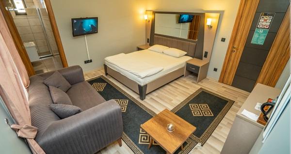 Dizayn Palace Hotel'de çift kişilik 1 gece konaklama seçenekleri 175 TL'den başlayan fiyatlarla! Fırsatın geçerlilik tarihi için DETAYLAR bölümünü inceleyiniz.