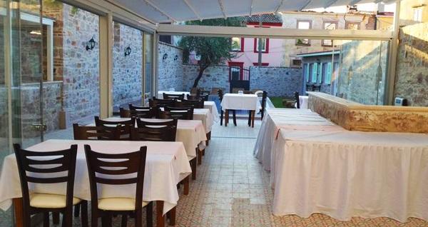 Doğal güzellikler ile iç içe Cunda Poseidon Hotel'in farklı odalarında kahvaltı dahil çift kişilik 1 gece konaklama seçenekleri 250 TL'den başlayan fiyatlarla! Fırsatın geçerlilik tarihi için DETAYLAR bölümünü inceleyiniz.