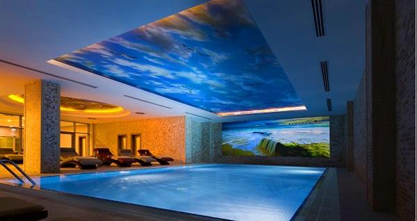 Ataköy Ramada Hotel & Suites By Wyndham İstanbul Hotel'de tam gün ıslak alan kullanımı ve masaj paketleri 79 TL'den başlayan fiyatlarla! Fırsatın geçerlilik tarihi için DETAYLAR bölümünü inceleyiniz.