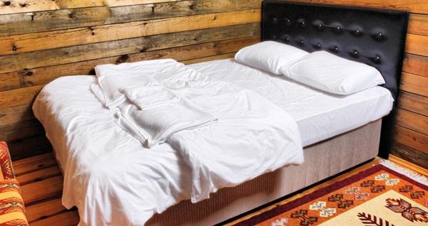 Karamürsel ormanlarının içinde gizli Bağdat Hotel & Resort'un manzaralı bungalov odalarında kahvaltı dahil çift kişilik 1 gece konaklama 199 TL'den başlayan fiyatlarla! Fırsatın geçerlilik tarihi için DETAYLAR bölümünü inceleyiniz.
