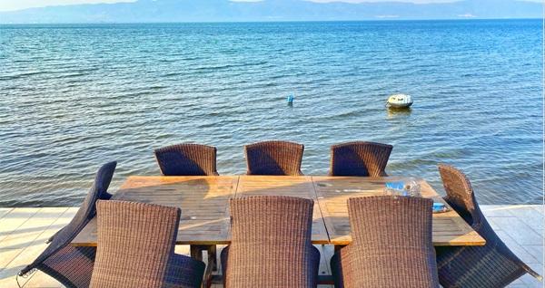 İznik Gölü'ne sıfır Villa Atroa'da 1 gece konaklama seçenekleri 400 TL'den başlayan fiyatlarla! Fırsatın geçerlilik tarihi için, DETAYLAR bölümünü inceleyiniz.