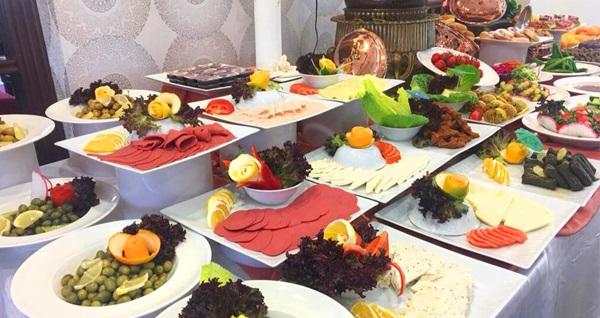 Balçova Termal Otel'de açık büfe kahvaltı veya termal banyo içeren açık büfe kahvaltı kullanımı 29,90 TL'den başlayan fiyatlarla! Fırsatın geçerlilik tarihi için, DETAYLAR bölümünü inceleyiniz.