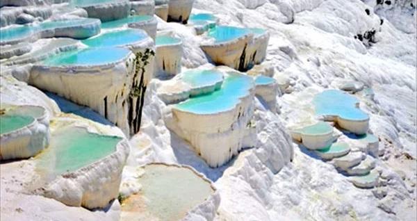 Termal otellerde 1 gece YARIM PANSİYON konaklamalı Alaçatı Çeşme Şirince Pamukkale Salda Gölü turu kişi başı 299 TL'den başlayan fiyatlarla! Tur kalkış tarihleri için, DETAYLAR bölümünü inceleyiniz.