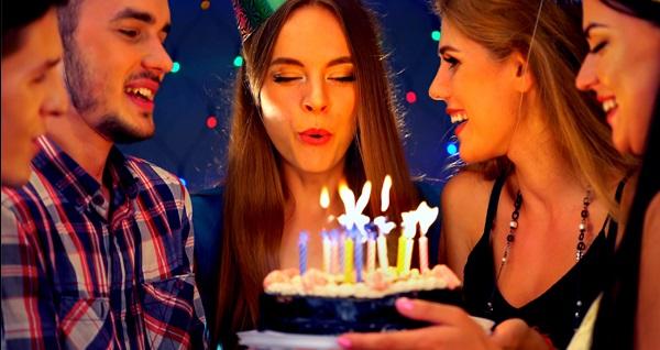 Focaccia Restaurant'ta sevdiklerinizle birlikte brunch eşliğinde doğum günü partisi 549 TL'den başlayan fiyatlarla! Fırsatın geçerlilik tarihi için DETAYLAR bölümünü inceleyiniz.