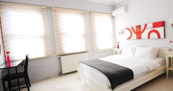 Beyoğlu Ada Home Istanbul'da çift kişilik 1 gece konaklama 179 TL'den başlayan fiyatlarla! Fırsatın geçerlilik tarihi için, DETAYLAR bölümünü inceleyiniz.