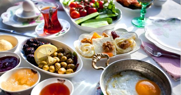 Ağva Sardunya Restaurant'ta limitsiz çay eşliğinde köy kahvaltısı 24,90 TL! Fırsatın geçerlilik tarihi için DETAYLAR bölümünü inceleyiniz.