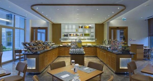 DoubleTree by Hilton Hotel İstanbul Tuzla'da çift kişilik 1 gece konaklama seçenekleri 199 TL'den başlayan fiyatlarla! Fırsatın geçerlilik tarihi için, DETAYLAR bölümünü inceleyiniz. Fırsat; Cuma, Cumartesi, Pazar günleri geçerlidir.