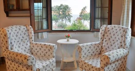 İznik Seyir Butik'te kahvaltı dahil çift kişilik 1 gece konaklama keyfi 199 TL'den başlayan fiyatlarla! Fırsatın geçerlilik tarihi için, DETAYLAR bölümünü inceleyiniz.