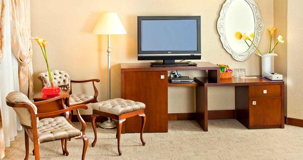 Arjantin Caddesi'nin elit adresi Argentum Hotel'de kahvaltı dahil çift kişilik 1 gece konaklama keyfi 220 TL yerine 149 TL! Fırsatın geçerlilik tarihi için, DETAYLAR bölümünü inceleyiniz.