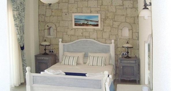 Çeşme Dolina Butik Hotel'in deniz manzaralı odalarında kahvaltı dahil çift kişilik 1 gece konaklama seçenekleri 349 TL'den başlayan fiyatlarla! Fırsatın geçerlilik tarihi için DETAYLAR bölümünü inceleyiniz.